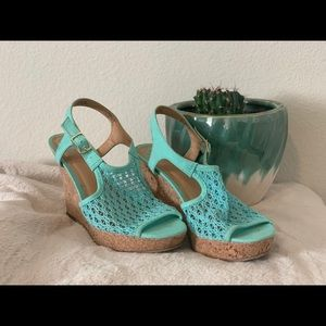 "Fergalicious mint green 4"" wedges, size 7"
